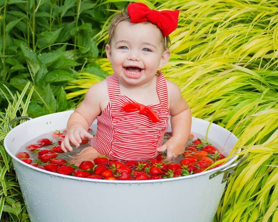 Your baby's first year: Photo shoots, smash cakes, more