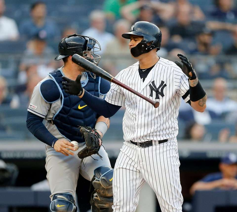 Yankees catcher Gary Sanchez srikes out to end