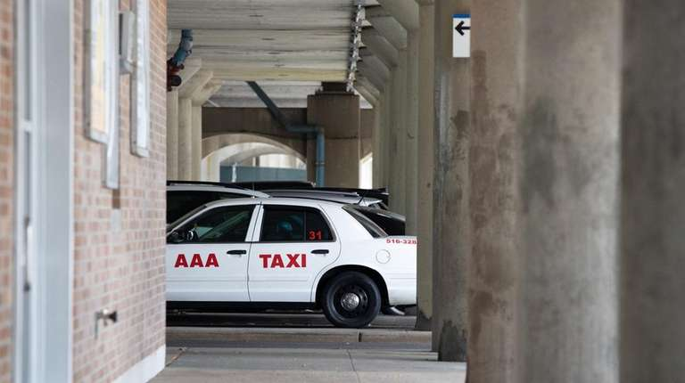 Floral Park taxi service wants to boost rides to $6 each as