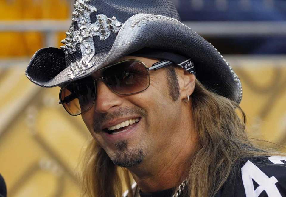 Musician Bret Michaels helped collect canned food donations