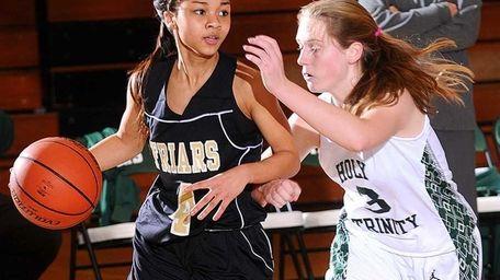 St. Anthony's High School sophomore #4 Tyla Parham,