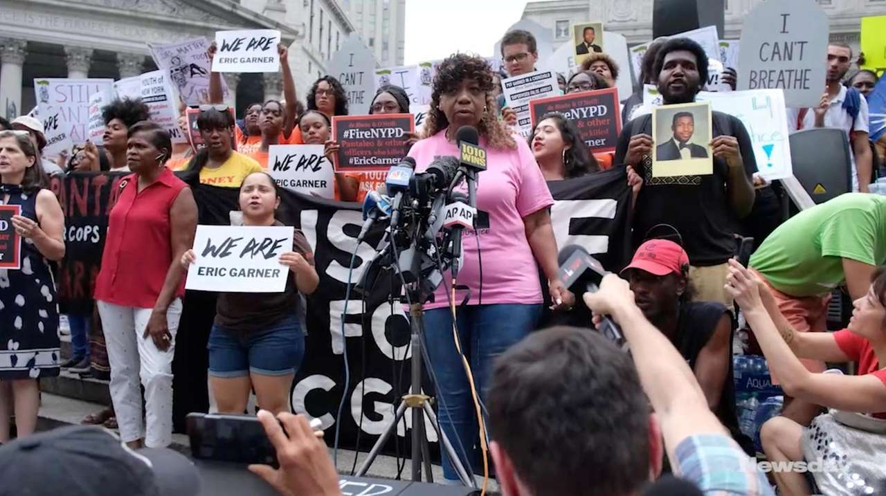 Hundreds of people gathered Wednesday in Manhattan and
