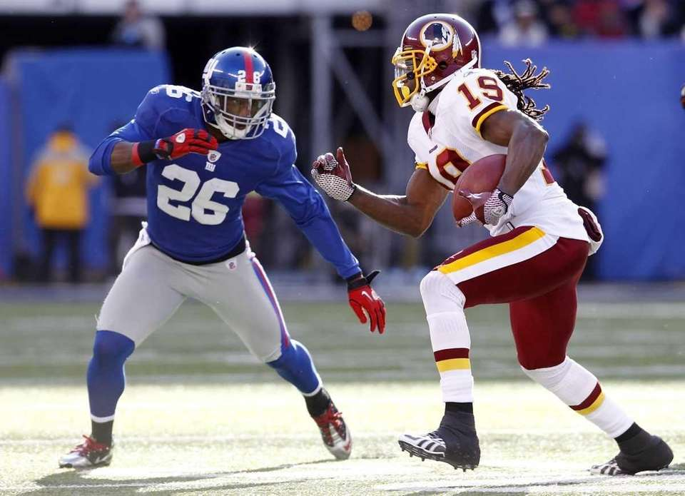 Donte' Stallworth of the Washington Redskins tries to