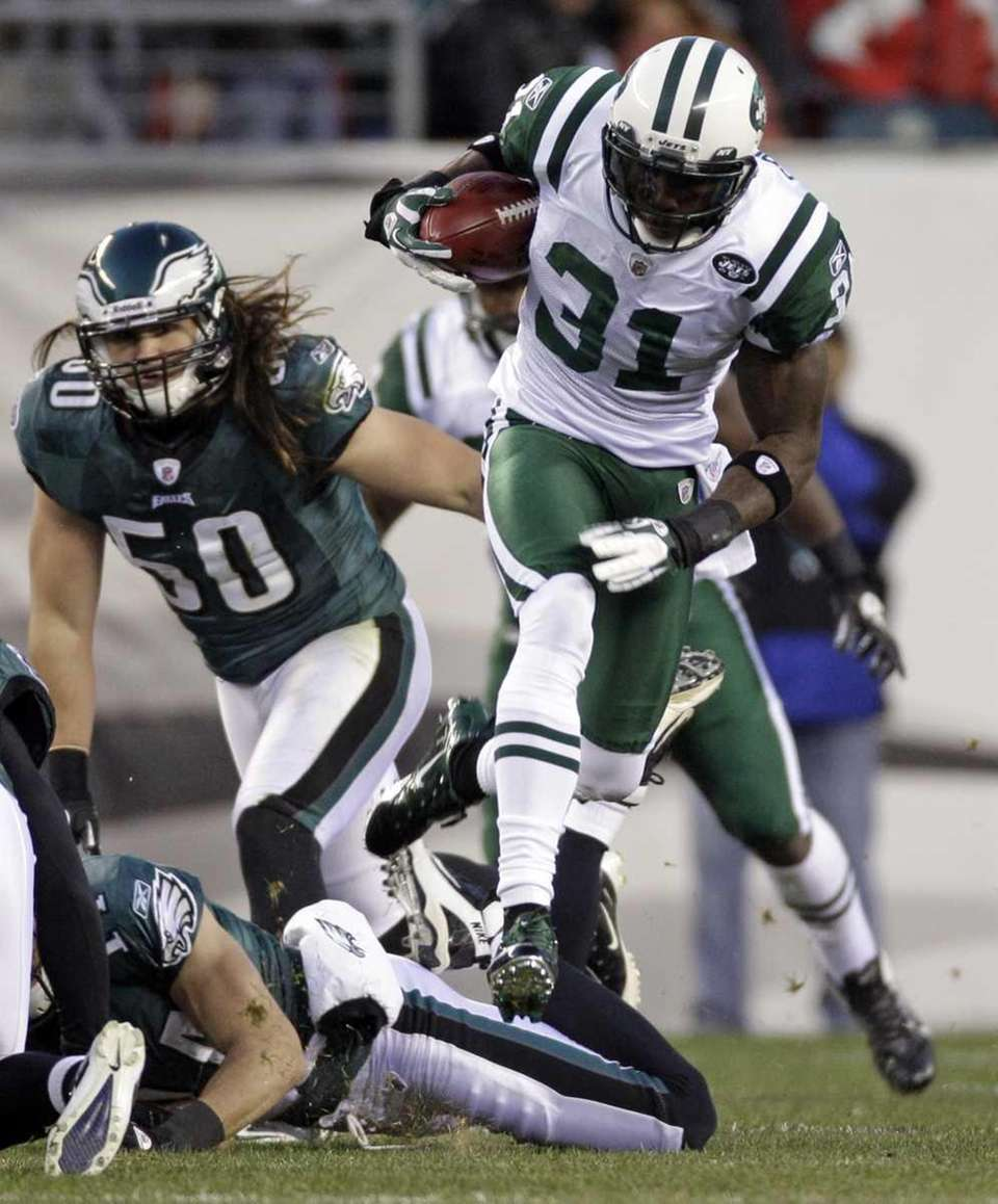 New York Jets cornerback Antonio Cromartie runs with