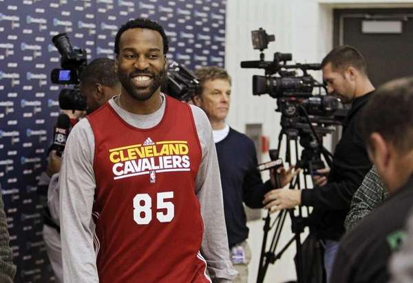 Cleveland Cavaliers point guard Baron Davis walks away
