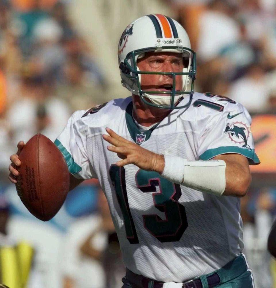 DAN MARINO: 5,084 yards 1984, Miami Dolphins Stats:
