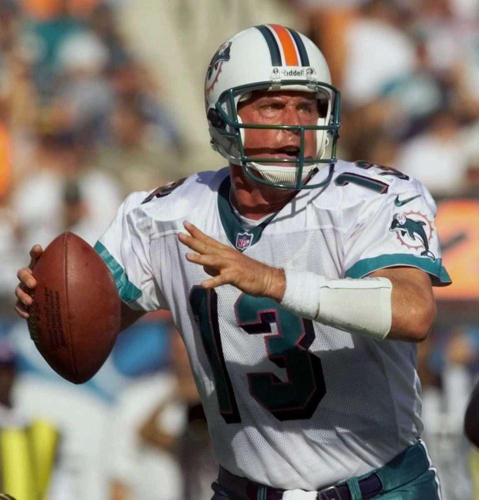 1984, Miami Dolphins Stats: 362-for-564 (62.4 percent), 48