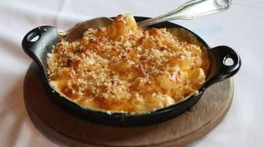 Macaroni and cheese at Roslyn Social Kitchen &