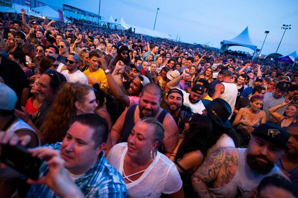 Fans of the band Sublime With Rome at