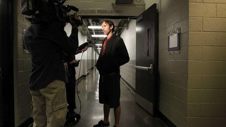 Phoenix Suns basketball player Steve Nash talks to
