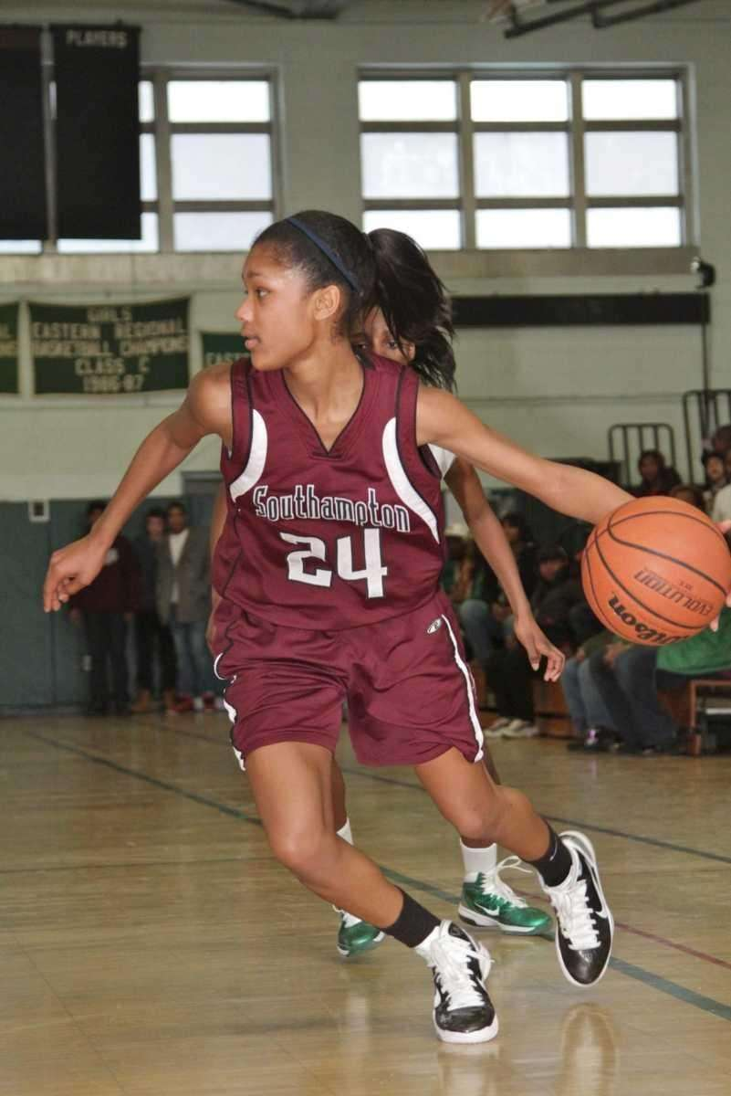 PARIS HODGES, GUARD, JUNIOR Southampton Hodges makes her