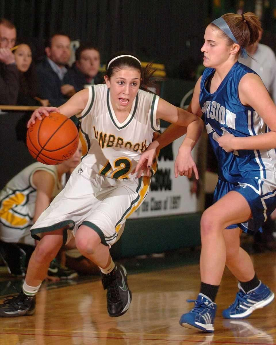 BROOKE GERSTMAN, GUARD, SENIOR Lynbrook Gerstman averaged 20