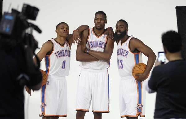 Oklahoma City Thuder's Russell Westbrook (0), Kevin Durant,