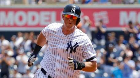 Yankees' DJ LeMahieu runs the bases on a