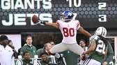 Victor Cruz of the Giants celebrates a long