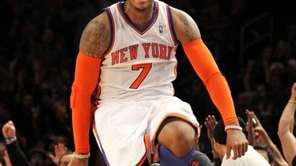 Carmelo Anthony celebrates after hitting jumper against the