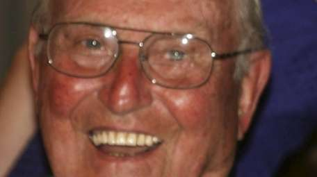 Raymond LaCasse, who died at 95, received the