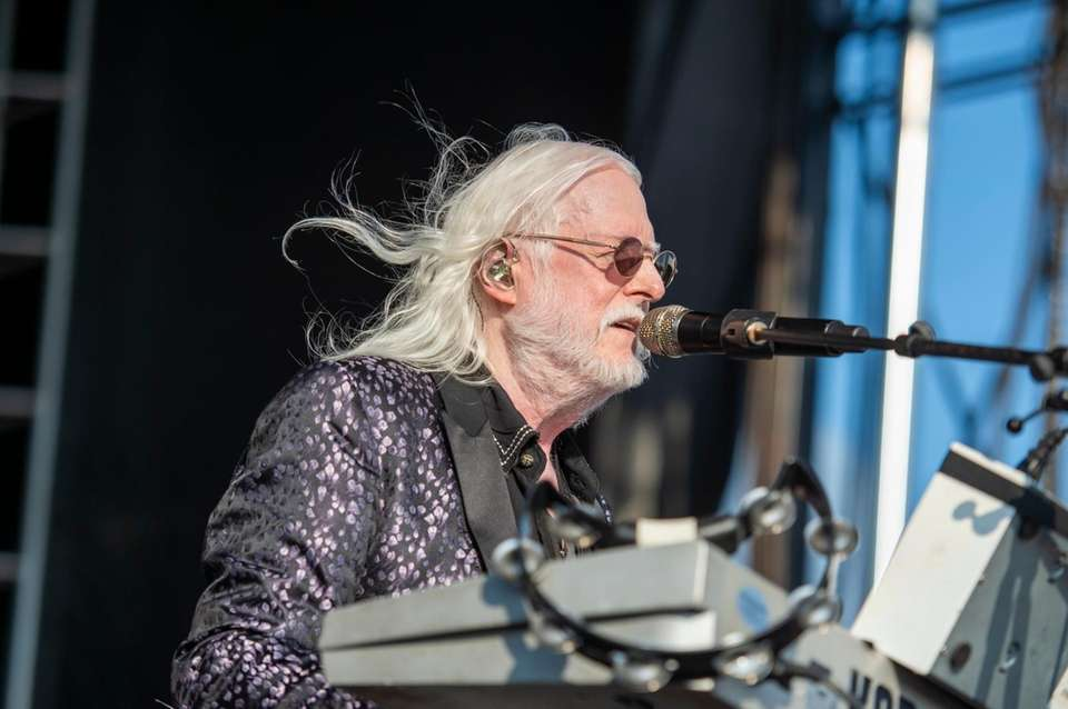 The Edgar Winter Band performs at the Great