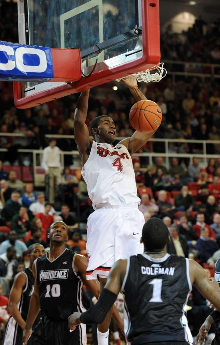 Moe Harkless of St. John's scores two of