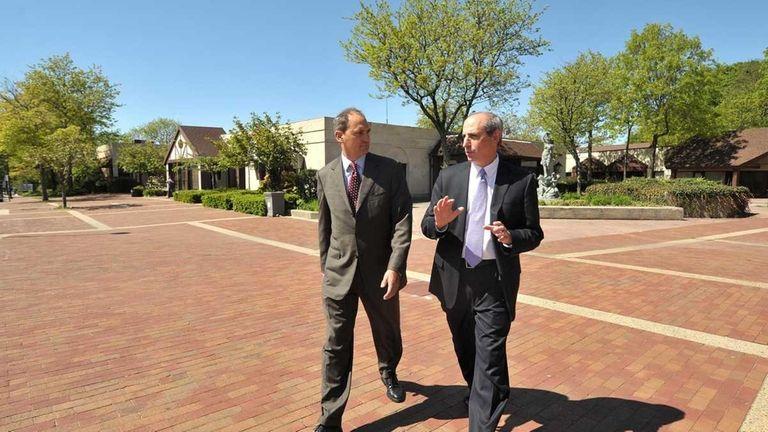 Developer Michael Pontillo, left, and Mayor Ralph Suozzi