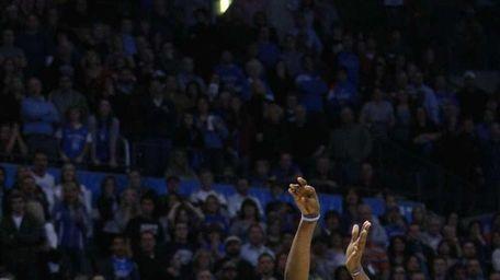 Oklahoma City Thunder forward Kevin Durant (35) shoots