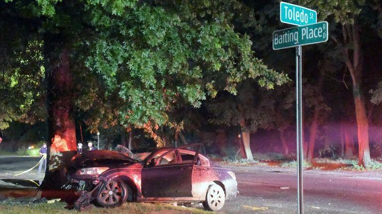 Man seriously hurt in East Farmingdale crash, police say