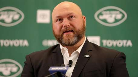 Jets general manager Joe Douglas speaks to the