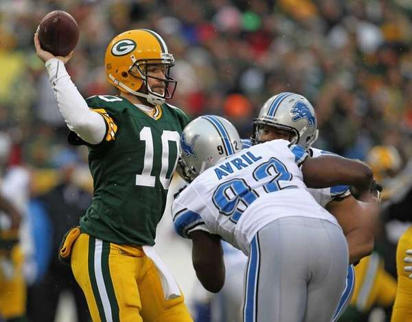 Matt Flynn of the Green Bay Packers throws