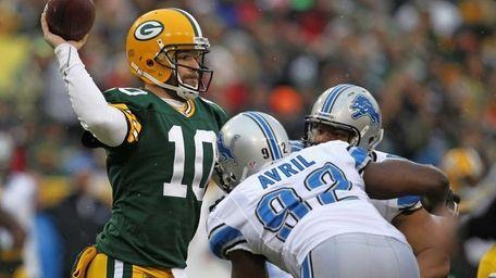 Matt Flynn of the Green Bay Packers throws