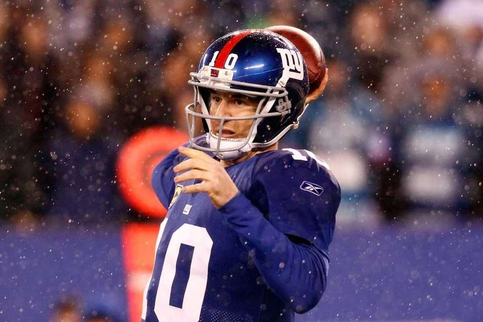 Eli Manning of the New York Giants looks