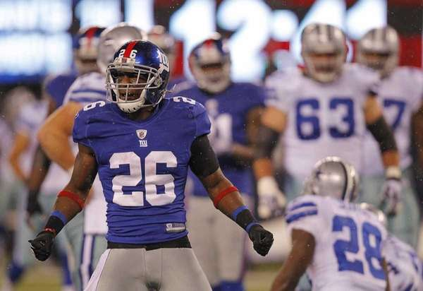 New York Giants free safety Antrel Rolle celebrates