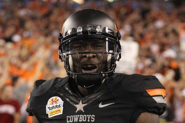 Justin Blackmon #81 of the Oklahoma State Cowboys