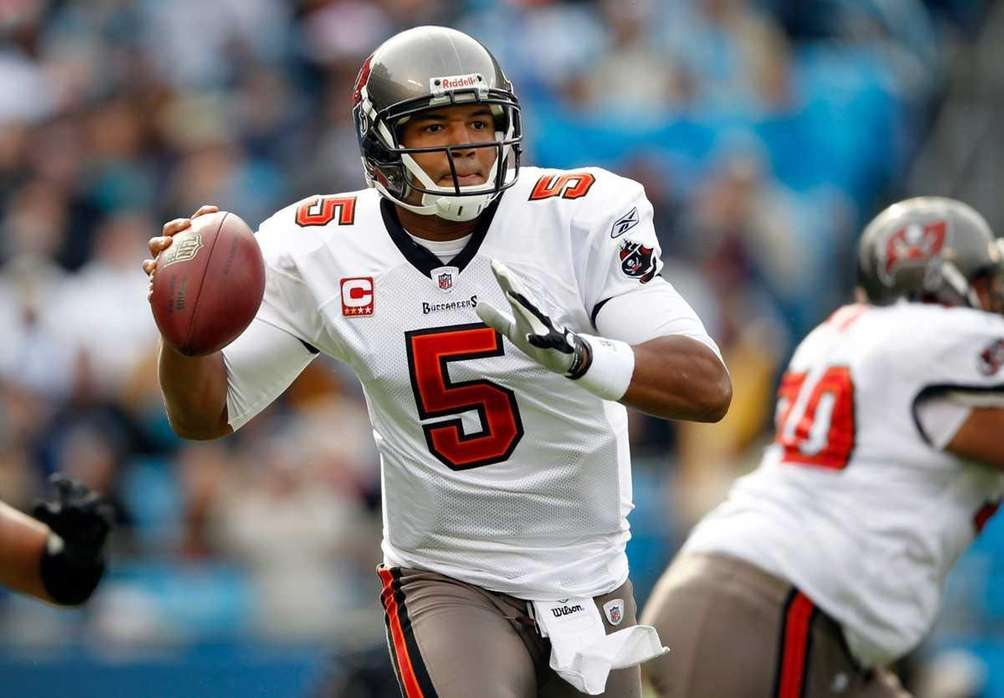 JOSH FREEMAN Buccaneers, 2009-11 Stats: 41 games, 795-for-1,315,