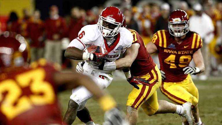 Mohamed Sanu #6 of the Rutgers Scarlet Knights
