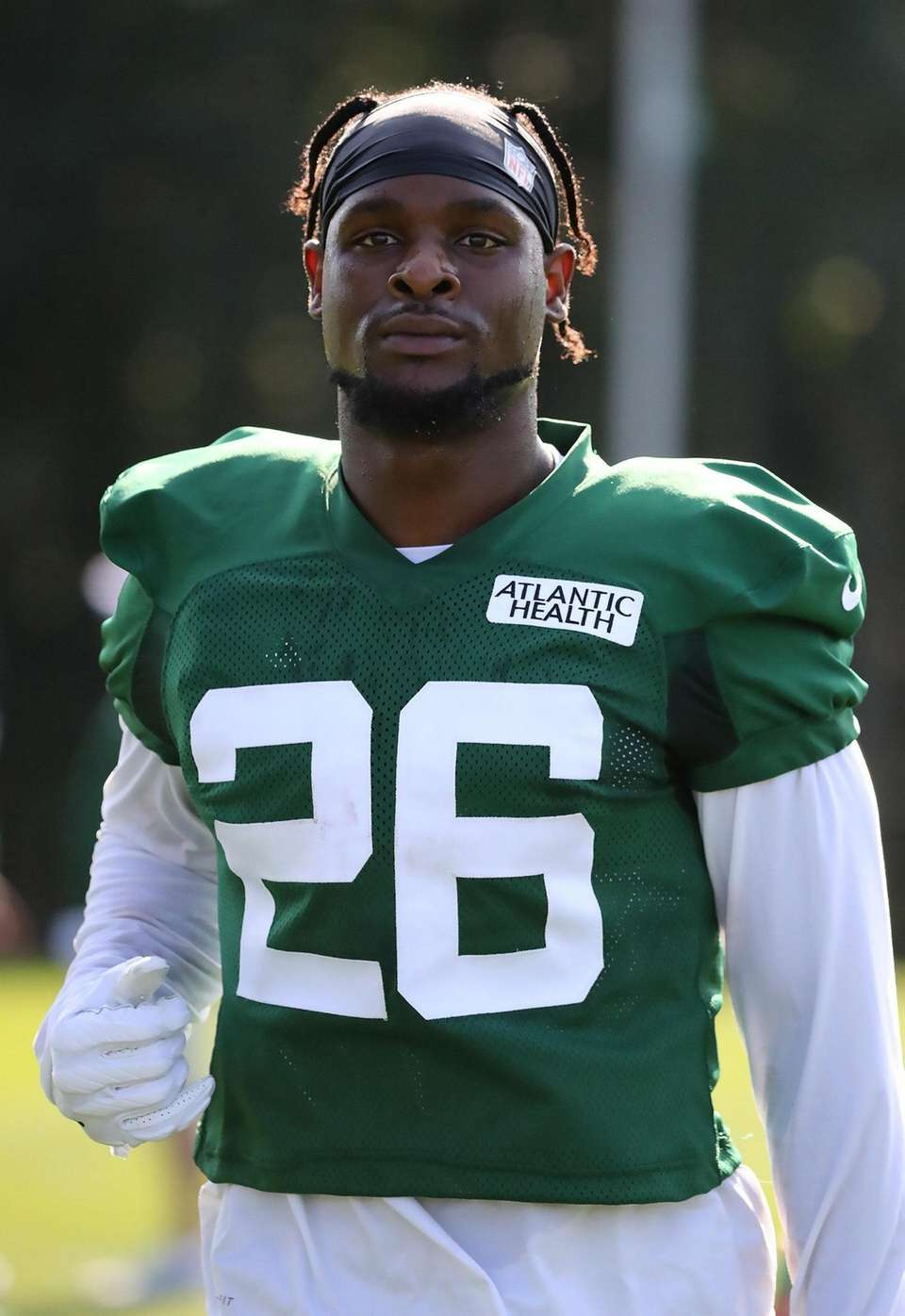 Jets running back Le'Veon Bell takes a break