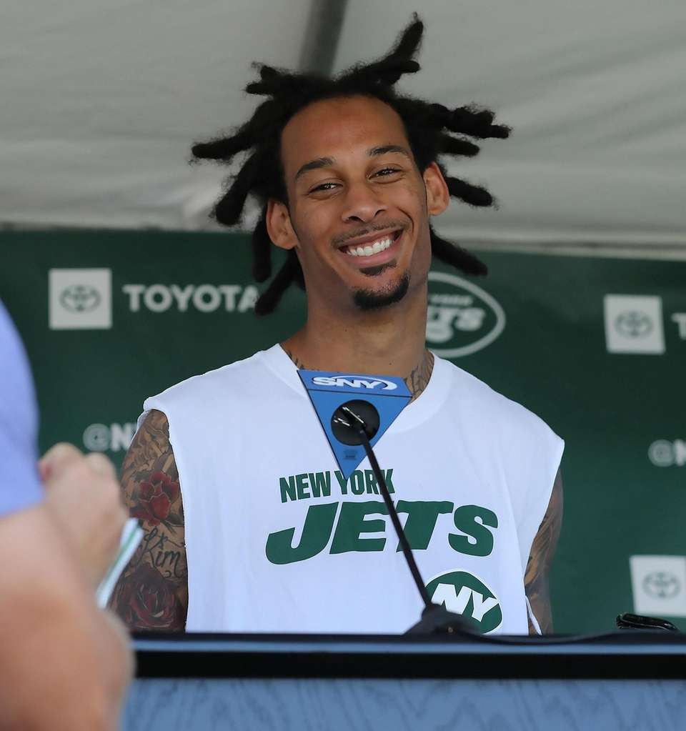 NY Jets wide receiver Robby Anderson (11) speaks