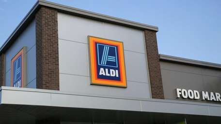 Discount grocer Aldi plans to open its first