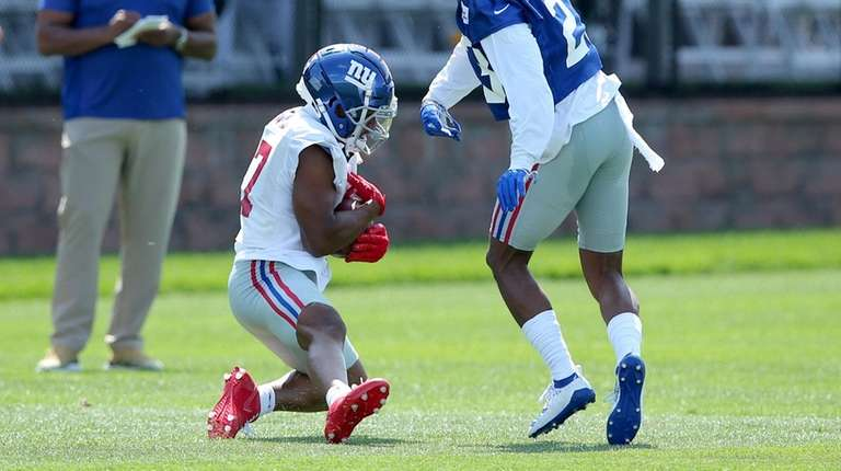 newest collection 02c5e deff0 Sterling Shepard suffers broken left thumb in first practice ...