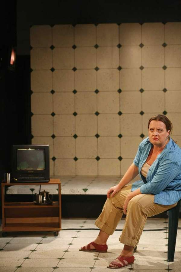 Kim Schultz, in character as an Iraqi refugee