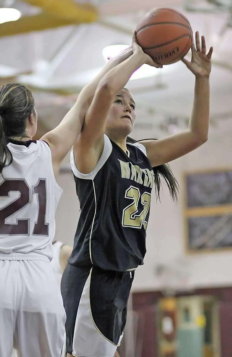 Wantagh's Brenna Smith makes a key layup late