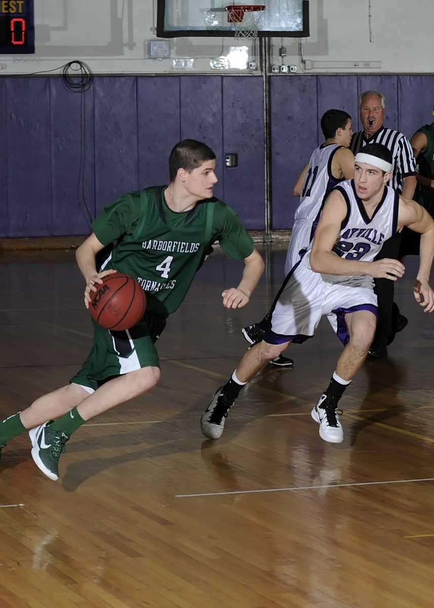 Harborfield's Justin Ringen (4) drives to the basket.