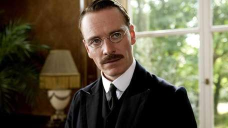 Michael Fassbender playing the psychcologist Carl Jung in