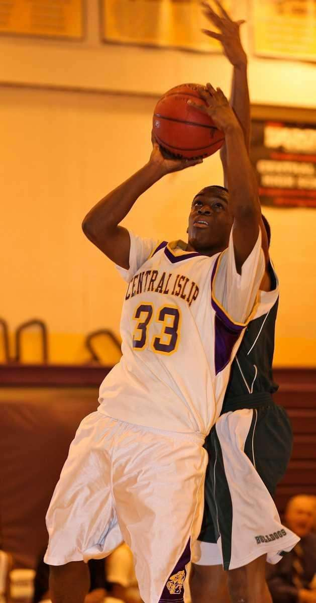 Central Islip G Sean Alexander #33 puts up