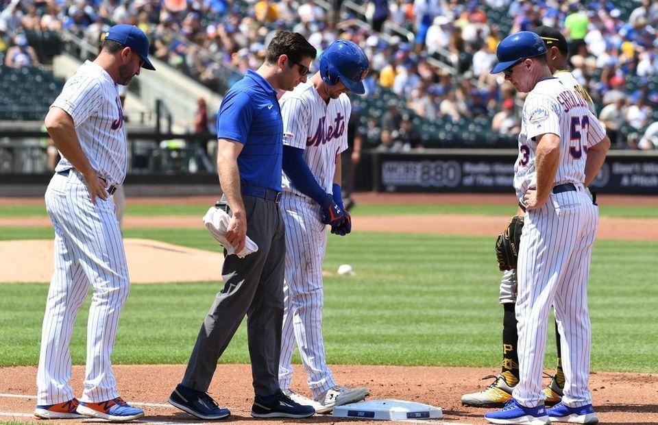 New York Mets right fielder Jeff McNeil is