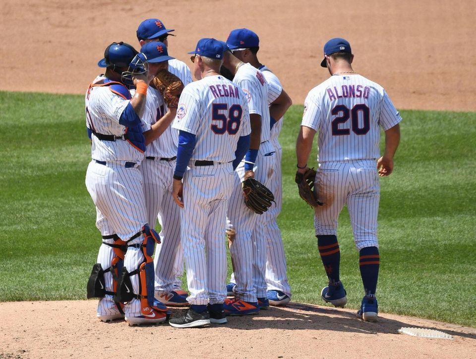 New York Mets interim pitching coach Phil Regan