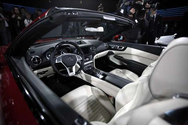 Mercedes-Benz unveils the all-new sixth-generation SL 550 on