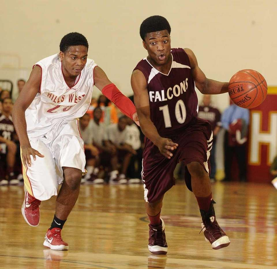 Deer Park guard Kyle Bradford drives the ball