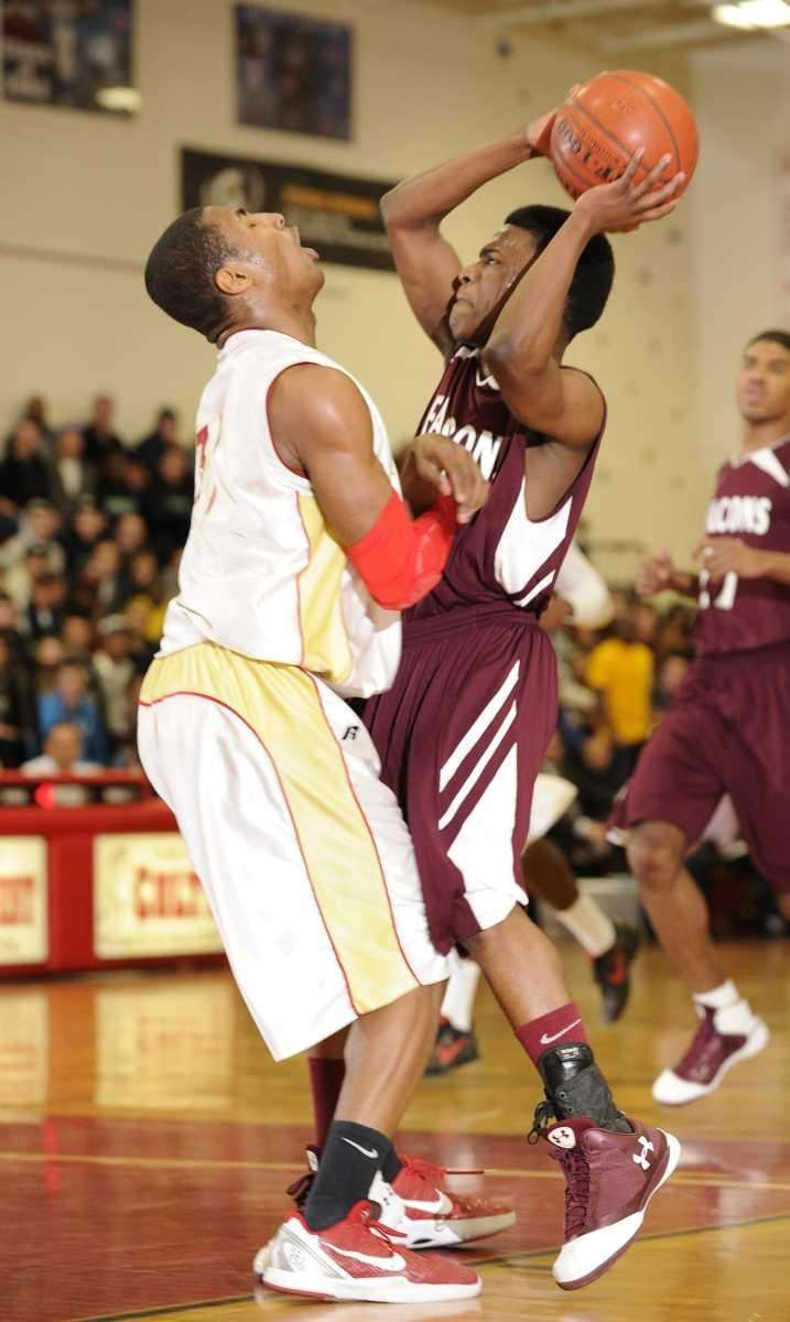 Deer Park guard Kyle Bradford shoots past Half