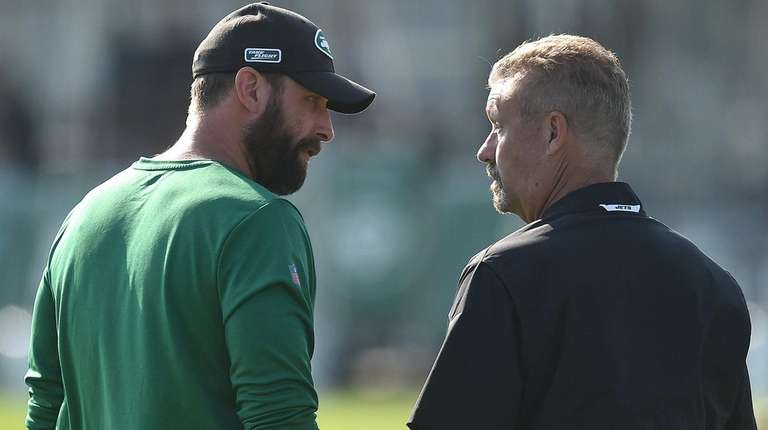 Jets head coach Adam Gase, left, and defensive