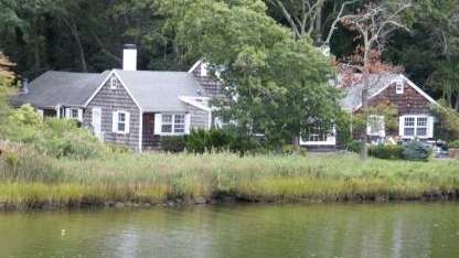Newsman Anderson Cooper has purchased the waterfront home